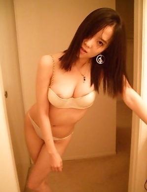 Korean cutie strips naked in the bathroom