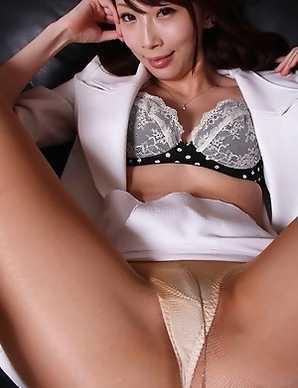 Aya Kisaki spreads sexy legs and shows beaver in stockings