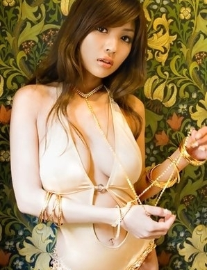 Kana Tsugihara busty rubs her nooky in bikini of armchair