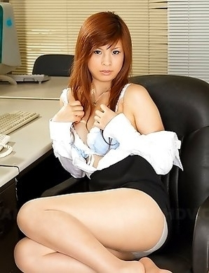 Hot office darling Rina Kikukawa