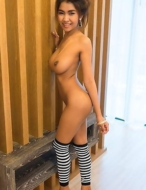 Busty Thai dolls in stockings