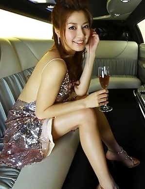 Yumi Sugimoto Asian shows sexy legs in red outfit and sandals