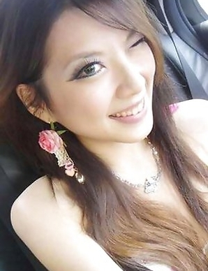 Amateur Hot Singaporean GFs pics
