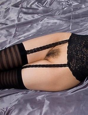 Tight booty babe Shizuka Maeshiro gives a great assjob to her horny partner