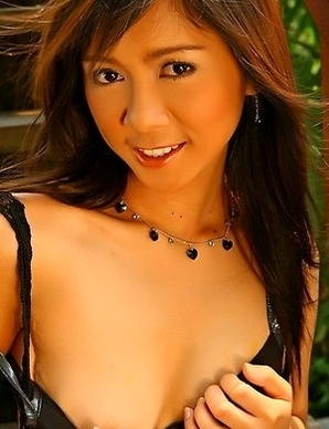 Young Asian babe Ranee Jareonkul