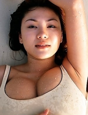 Yoko Matsugane with gigantic assets loves photo sessions