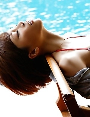 Yumiko Shaku with juicy boobies is romantic at the pool