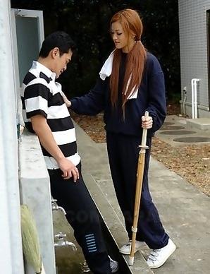 An Umemiya gives hot head outdoor