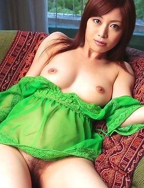 Runa Itou loves taking clothes off and exposing hot body