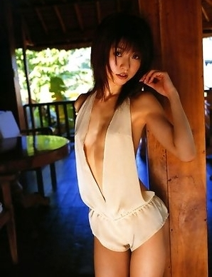 Gravure idol Mika Orihara is incredibly sexy and hot in her little blue bikini