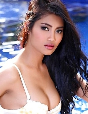 Sexy brunette Asian  Taeya