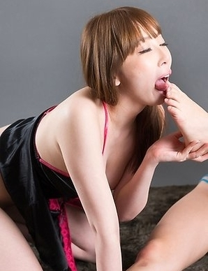 Aya Kisaki and Shino Aoi suck on each other's toes while hanging out on the floor