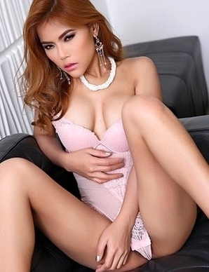big breasted Asian woman Veevie enjoys a pink vibrator