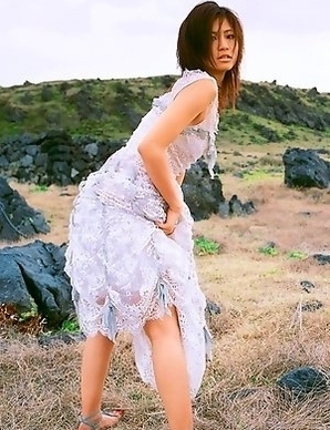 Misako Yasuda shows sexy legs in sexy ways even in hay