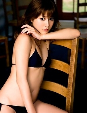 Yumi Sugimoto exposes sexy legs in naughtiest positions