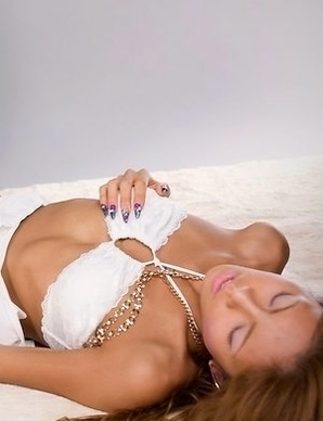 Skinny hottie Nanami Sugisaki gets her tanned legs fucked by a throbbing cock