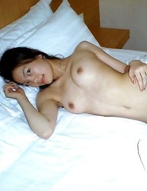 Asian babe taking a shower before having sex