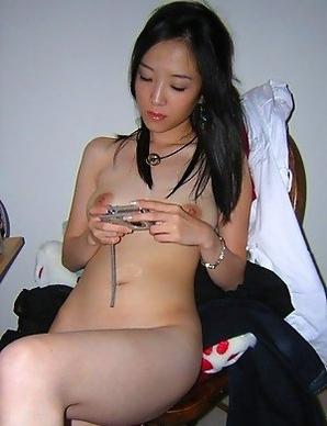 Korean hottie self-shooting naked