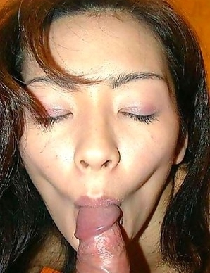 Japanese GF fingers her cunt and sucks a cock