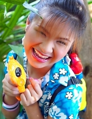 Anna Chung is having so much fun with her water gun. She looks like she could be the next Charlie's angel.