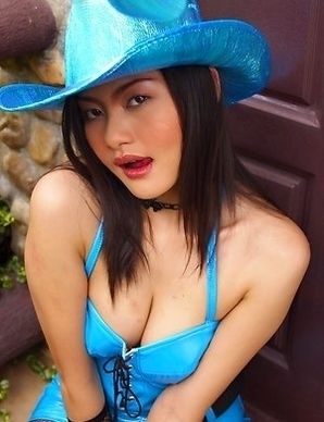 Mona Choi is dressed up in her amazing cowgirl outfit, because she added her own touch to it.