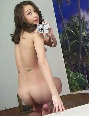 Nice gallery of an amateur naked Asian hottie camwhoring
