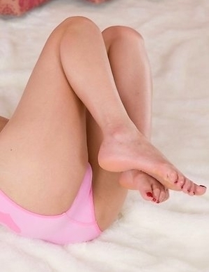 Uta Kohaku showcasing her slim legs and taking off her cute pink panties later on