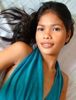 Stunning Filipina teen Anabel
