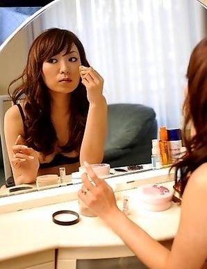 Erika Hiramatsu rubs her hot bush