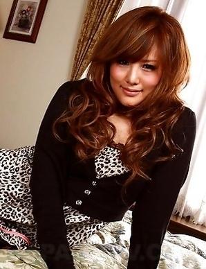 Hot lady Hikari Tsukino shows off