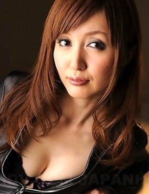 Hot Yui Igawa loves showing off