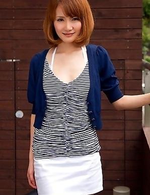 Misuzu Tachibana with hot cleavage takes short skirt off