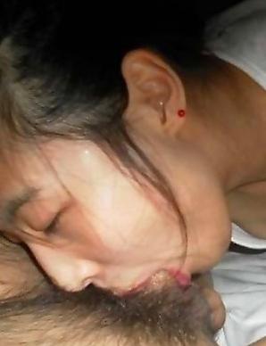 Amateur Cocksucking Thai babe pics
