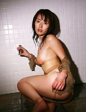 Momoko Tani exposes big assets in such appetizing positions