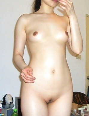 Petite Chinese GF giving nice head and posing
