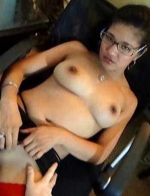 Horny Filipina Natasha businesswoman savors white dick
