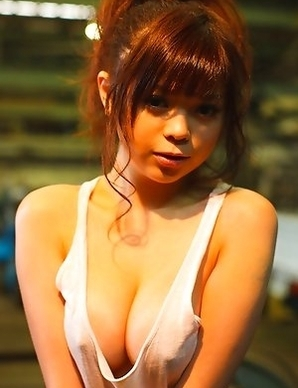 Rina Itoh loves to show her huge jugs with naughty nipples