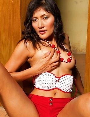View the amazing Bella Yong as she fondles her asshole and her tits. Bella lies on her side with a long necklace.
