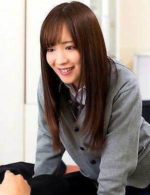 schoolgirl Sakura Miyuki